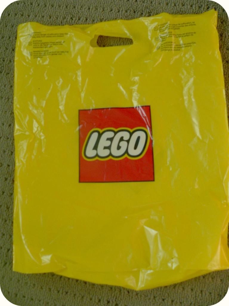 legobag 768x1024 LEGO Party