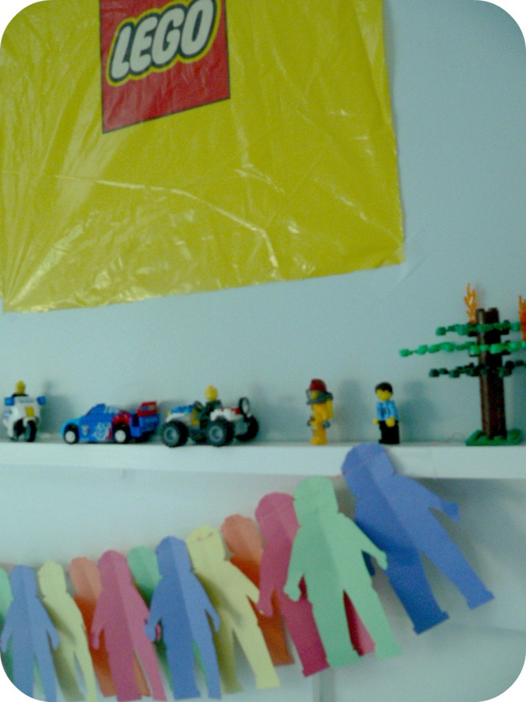 legotopdecorations 768x1024 LEGO Party