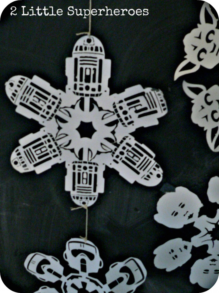 r2d2 764x1024 May the Christmas Force Be With You: Star Wars Snowflakes