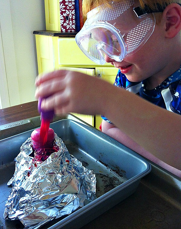kids volcano experiement BabbaBox: Just in Time for Summer