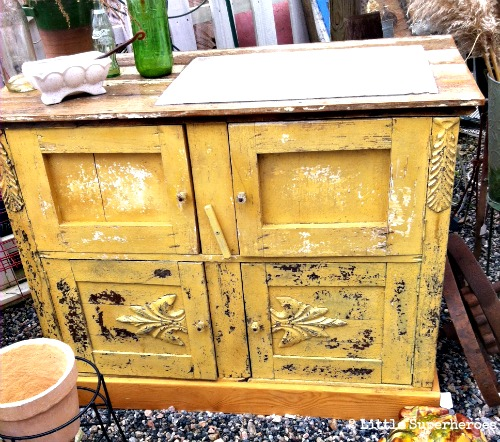 yellow sink Top 5 Vintage Finds