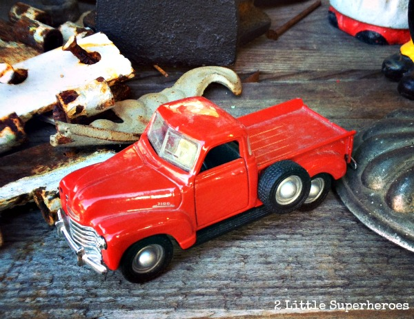 red truck SuzAnnas Antiques {& a $100 giveaway}