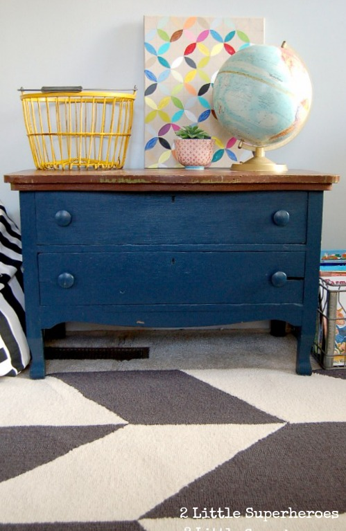 painted blue dresser1 10 Minutes of Junking