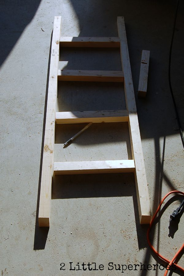 how to build ladder Closet Nook